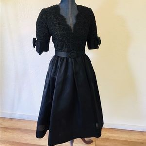 COPY - Oscar De La Renta little black dress. Gorg…